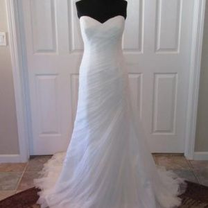 La Sposa Tulle Strapless Ivory Gown size 8